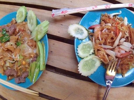 Railay Beach - Mom´s Kitchen: Fried noodles e Pad-thai