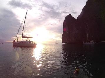 Pôr-do-sol em Maya Bay