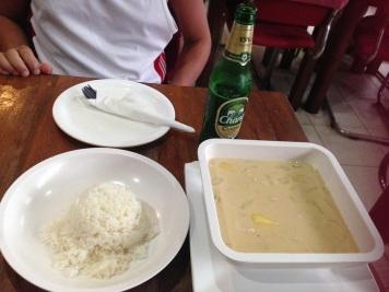 Ko Phi Phi - Cosmic: frango em um molho tailandês com leite de côco