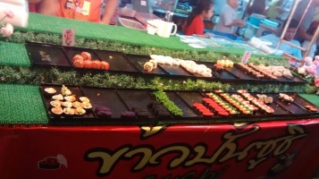 Krabi - Night Market: self-service de sushi