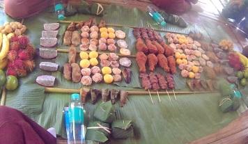Patara Elephant Farm - almoço servido na folha de bananeira