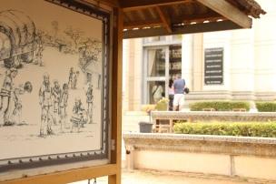 Desenhos que demonstram o passo-a-passo no Killing Field of Choeung Ek