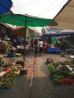 Morning Market - legumes e frutas