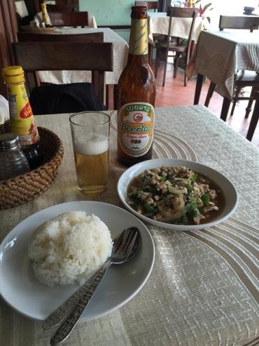 Almoço no The Coconut Restaurant