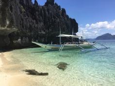 Parada para o almoço em uma ilha próxima