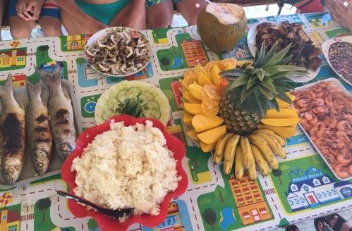 Almoço na Talisay Beach
