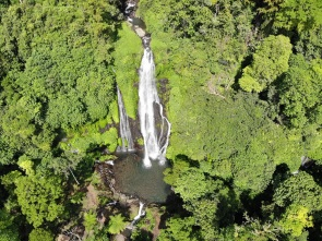 Banyumala Twin Waterfalls, foto do drone